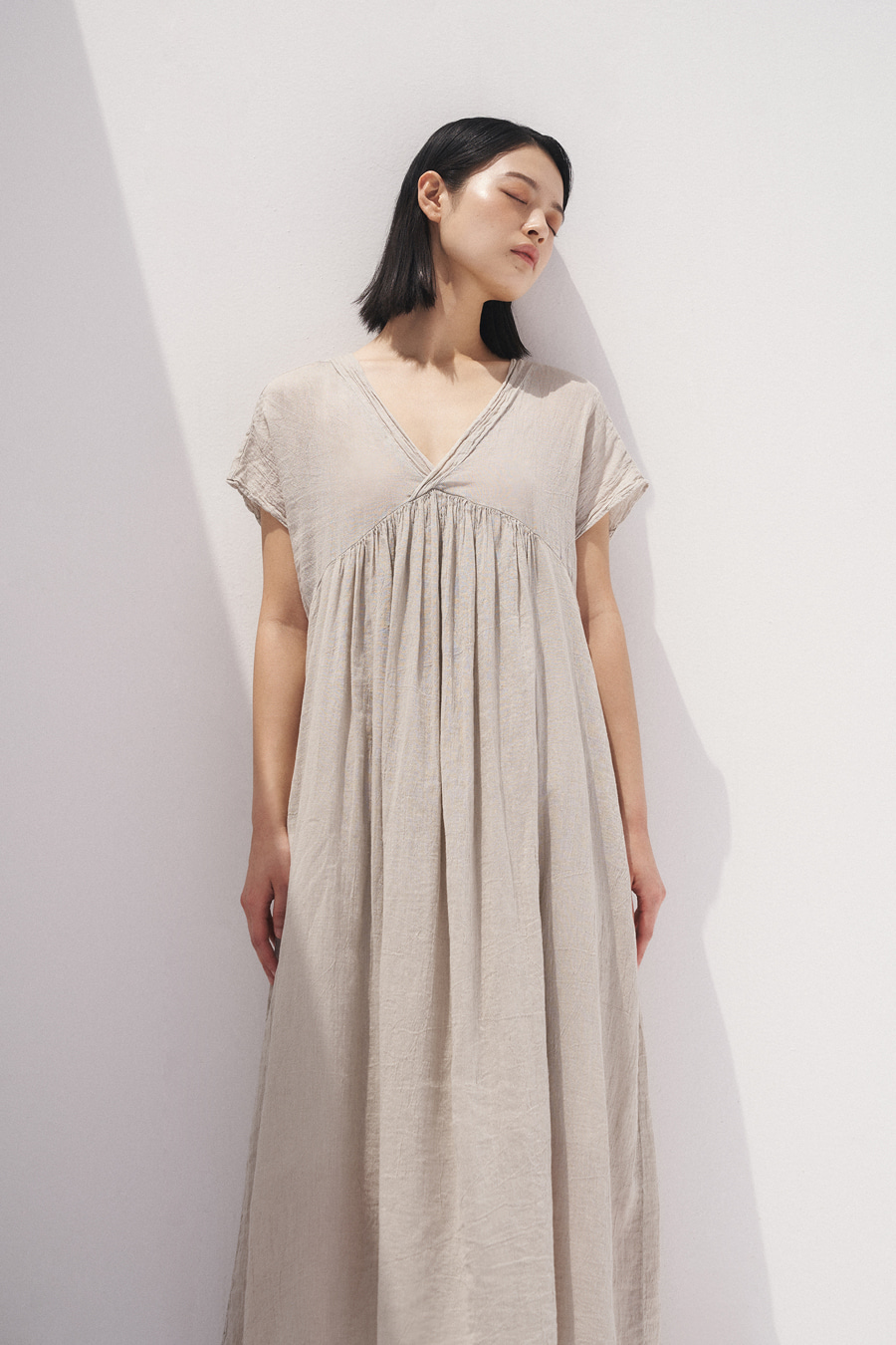 linen deep v-neck one-piece [20SS Season-off 30%]