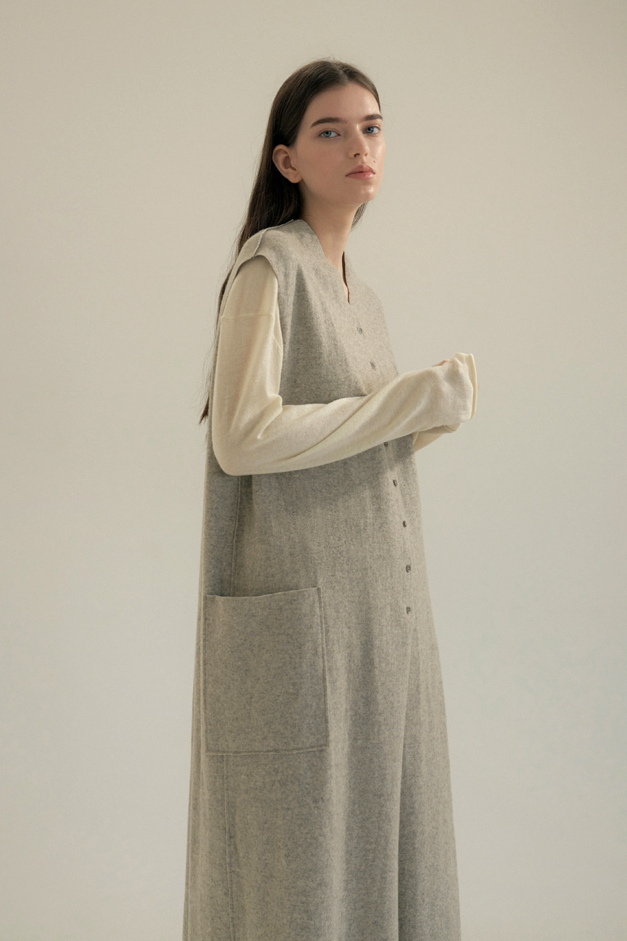 button wool long vest